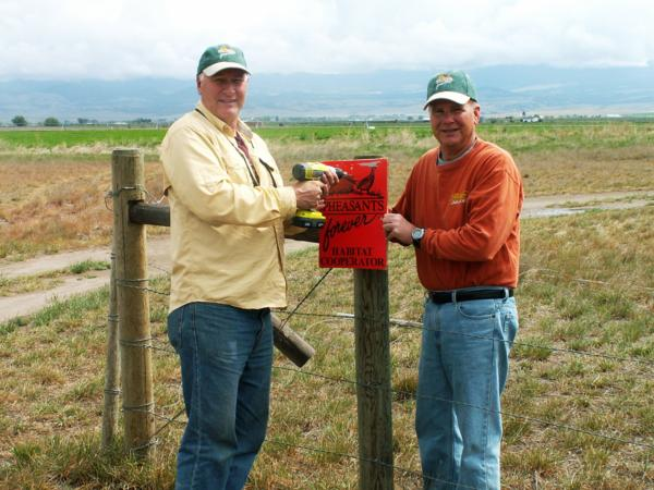 Headwaters Chapter Erect Signs at Canyon Ferry WMA