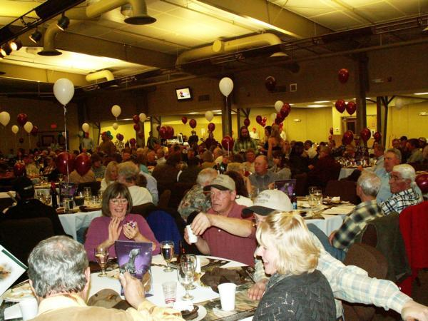 February 2015. Patrons enjoy the Headwaters Banquet.